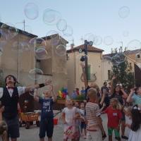 Des bulles dans les rues