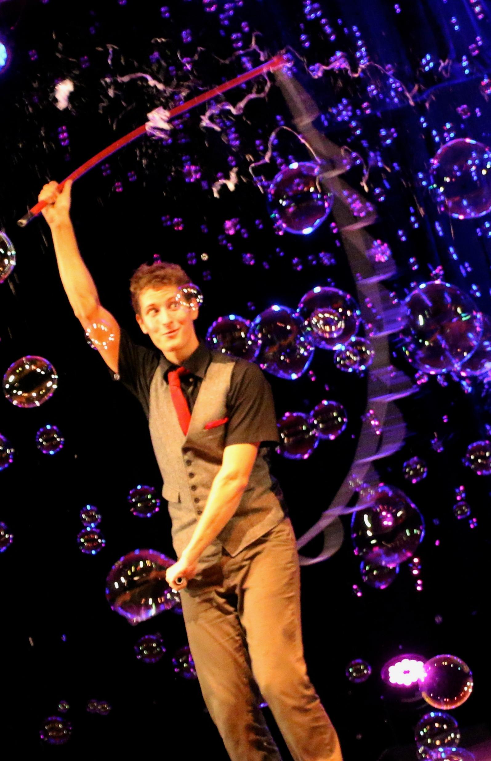 Ben'J, magicien des bulles de savon